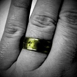 Golden ring Picture