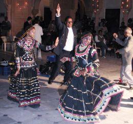 Entry number 107706 Dancers, Bikaner, Rajastahn