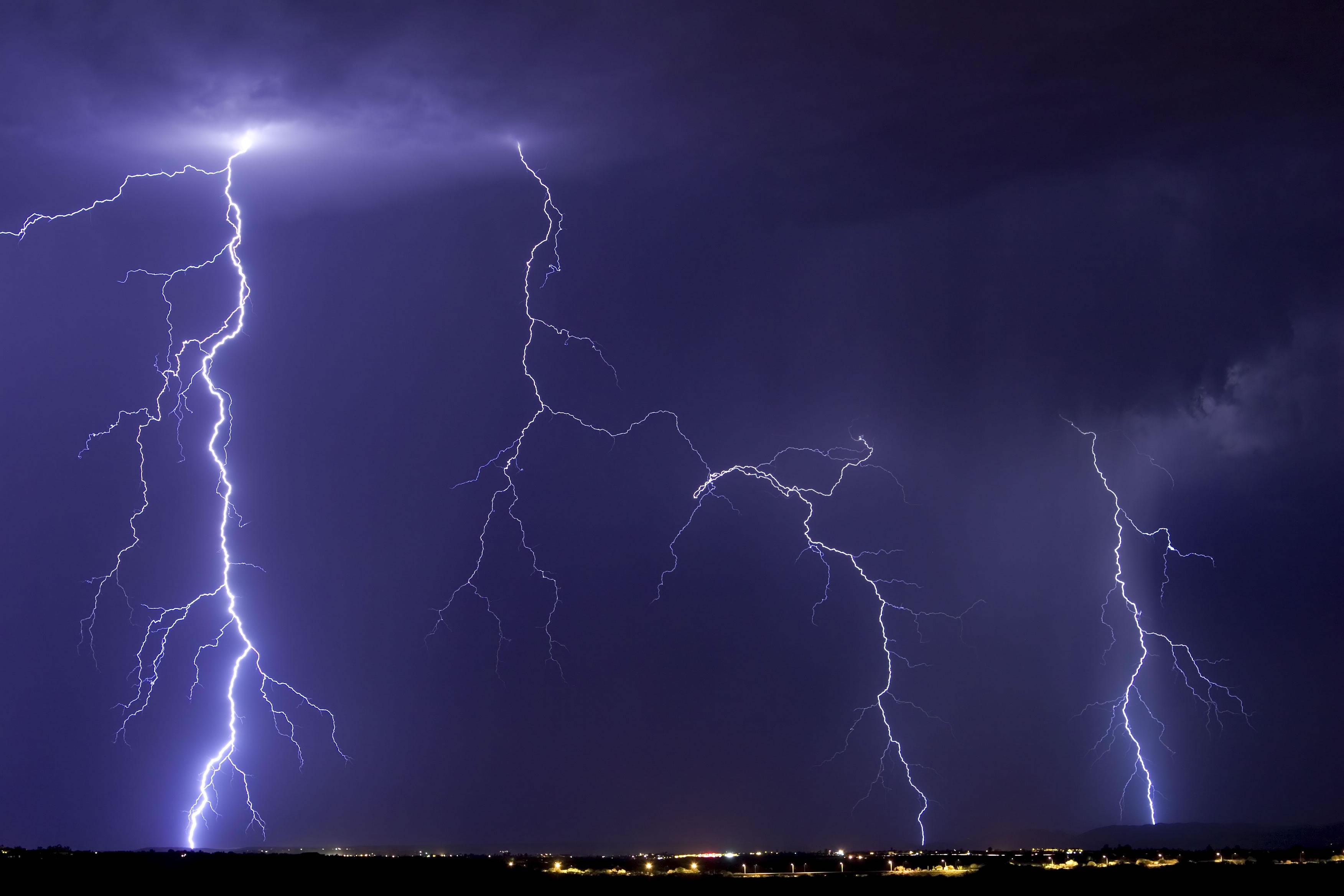 Lightning Storms Photoshop 3504 x 2336