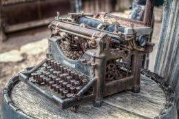 Rusty Writing Machine