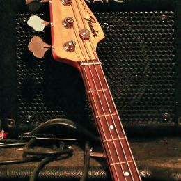 FenderBass