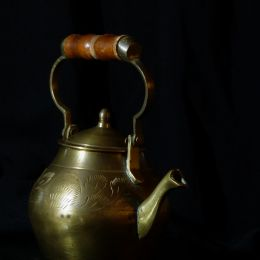 Copper tea pot  Picture