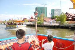 kidstravelwithboat