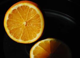 orangeonblackplate