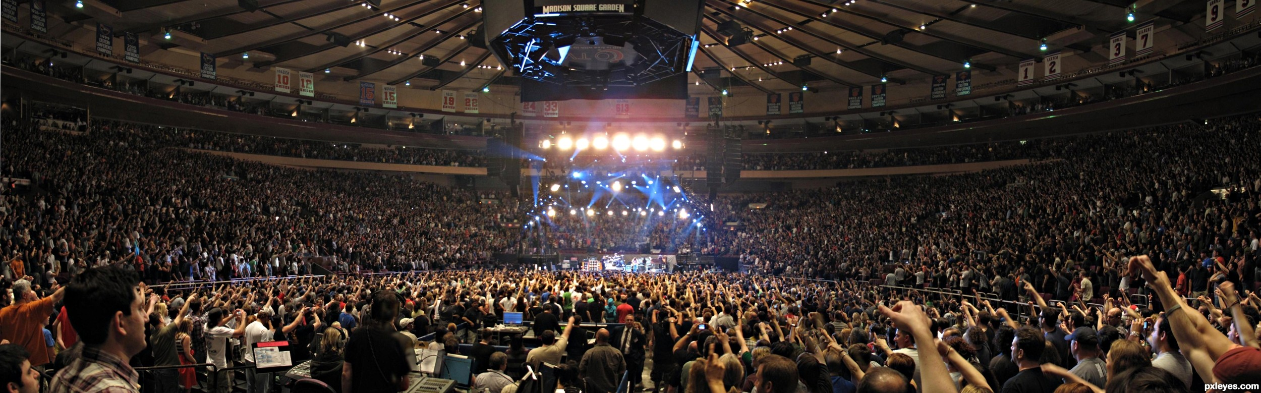 michael buble meets madison square garden online Michael bublé meets madison square garden is the grammy award-winning third live album released by canadian singer michael bublé the album features an audio cd and live dvd, in the fashion of all of buble&#39s live albums.