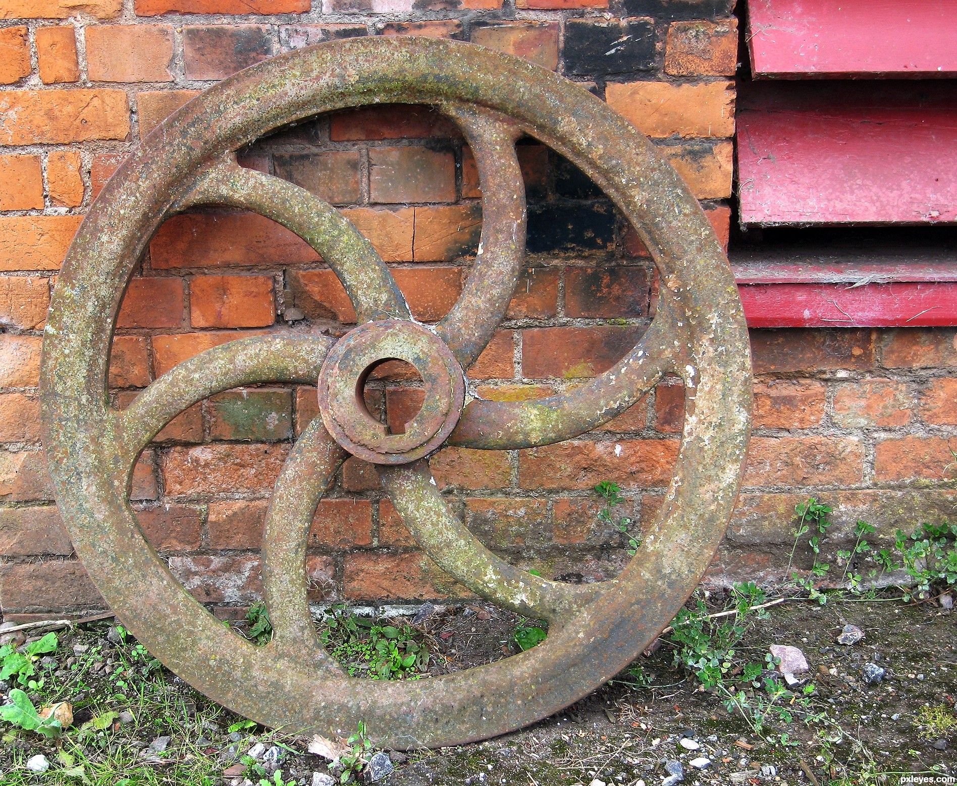 Old fly wheel picture by jeaniblog for perfect circles photography old fly wheel publicscrutiny Choice Image