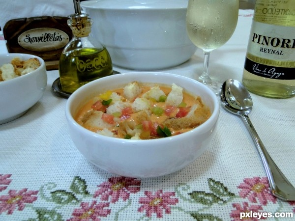 For hot days: Refreshing cold soup, Gazpacho