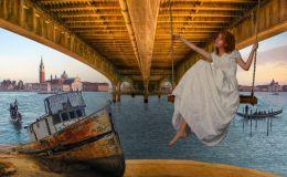 Swing in Venice