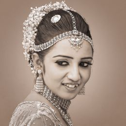 Head of Bride Picture