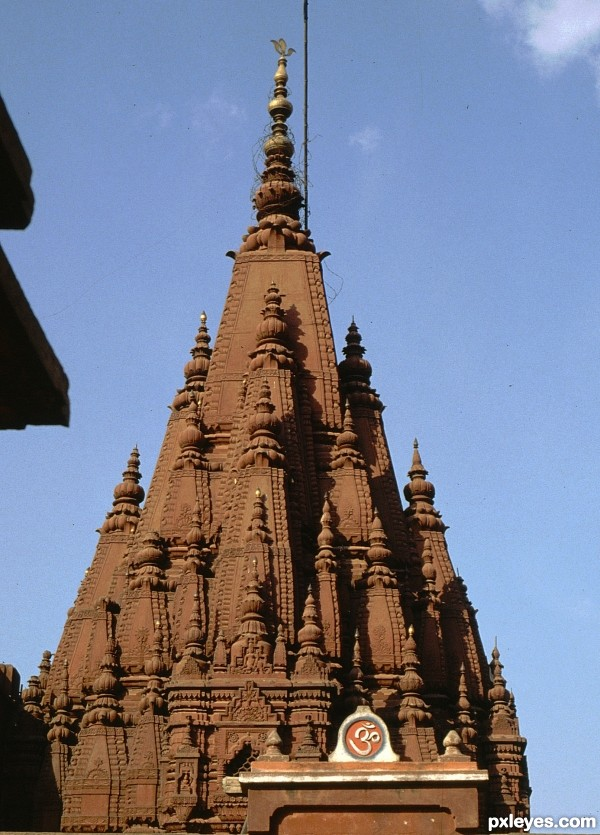 Varanasi : indian temple