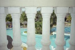 withbalconyontheswimmingpool