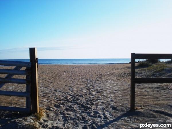 beach baracade