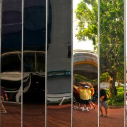 Mirroredpanels