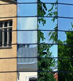 Onewindowmanyreflections