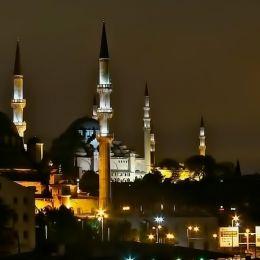 MosqueatnightIstanbul