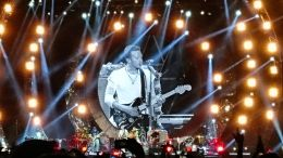 Chris Martin rocking out in Mumbai