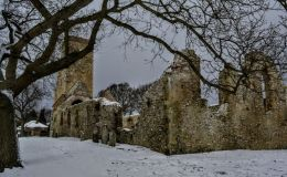 Snowy Ruins