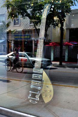 A Rickenbacker in the shop window