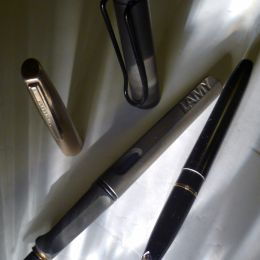 fountain pens Picture