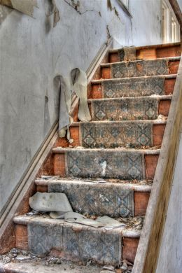 Decaying Stairs