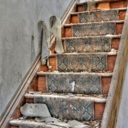 DecayingStairs