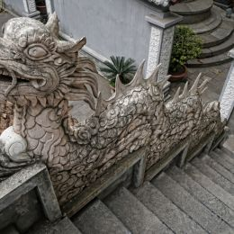 DragonStairs