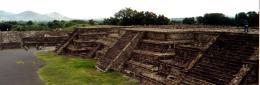pyramidstairs