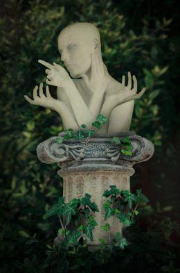 Four hands Madonna