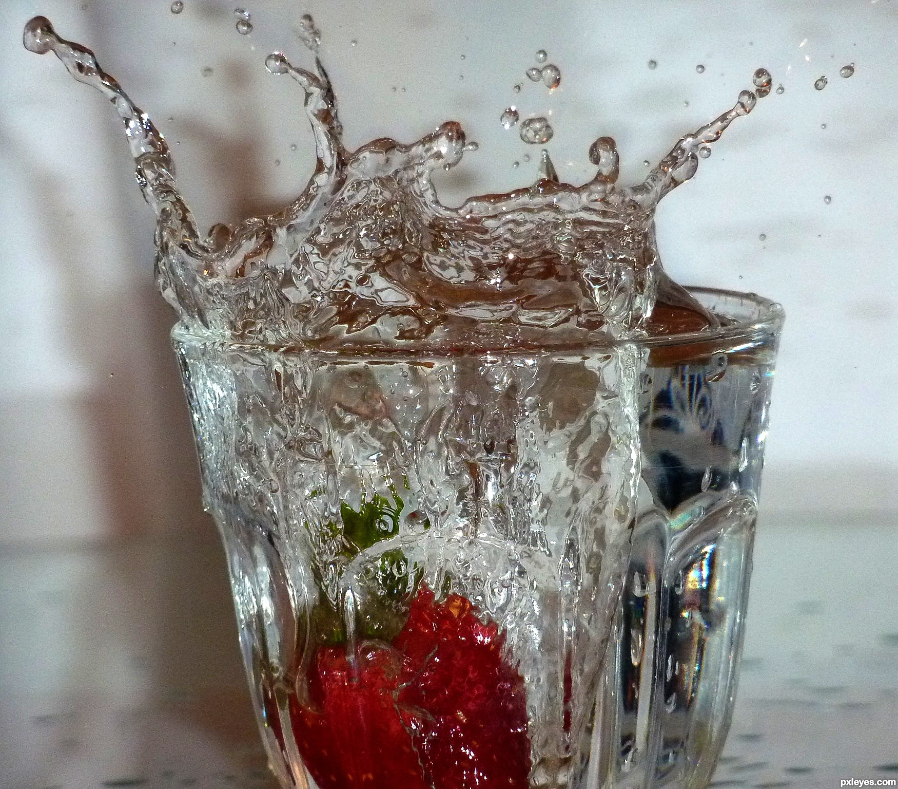 Home Photography Contests Stop Motion Strawberry In The Water