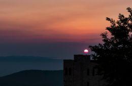 Sunset, Krujë castle