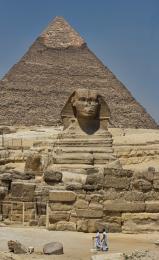TheSphinxandthePyramids