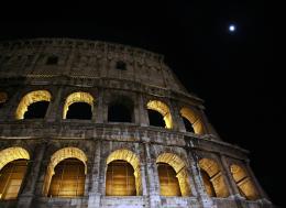 Colosseoandthemoon