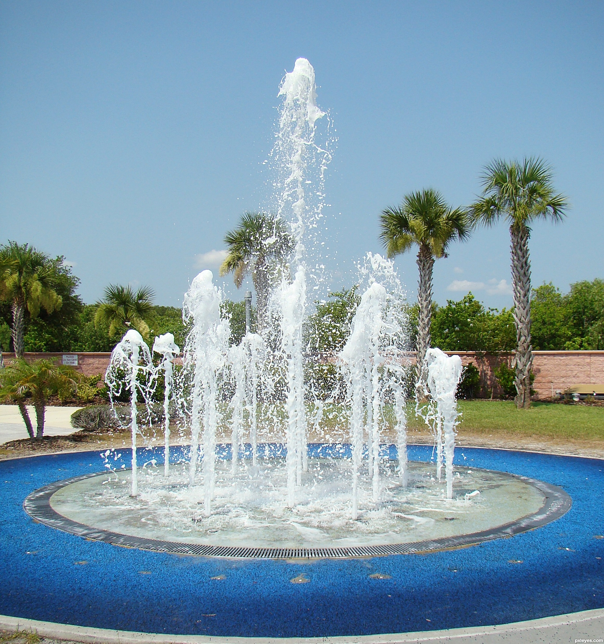 Dancing Water Picture By Poetress59 For Water Fountains 2 Photography Contest Pxleyes Com