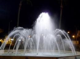 fountainatnight
