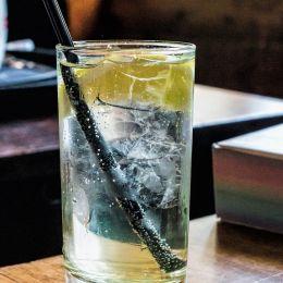 Acoldglassofwater