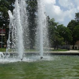 Collegecampusfountain