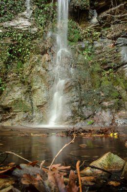 Mini Secret Waterfall in Crete
