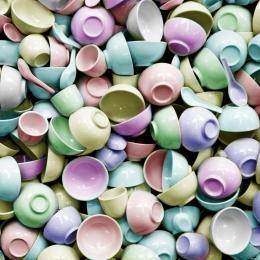 whitecupsbecomecolorcups