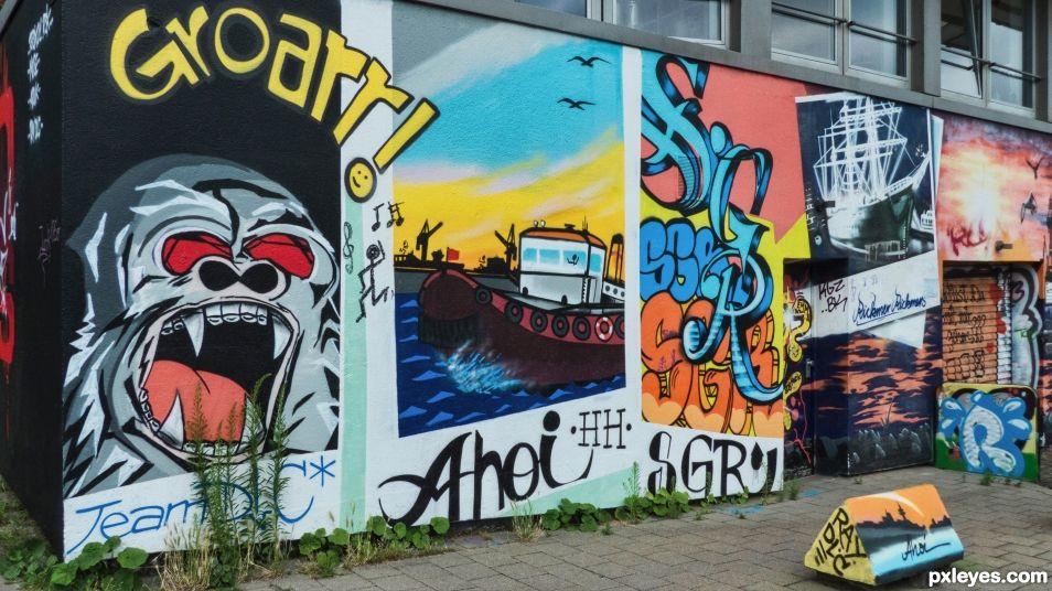 Onomatopeia graffiti frescoes