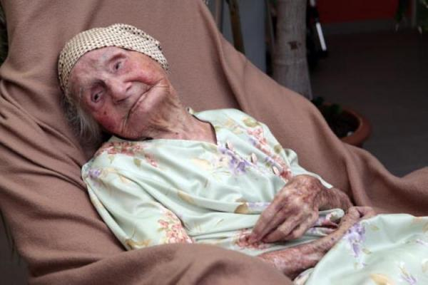 Eunice Sanborn - 114 years, 195 days Photoshop Picture